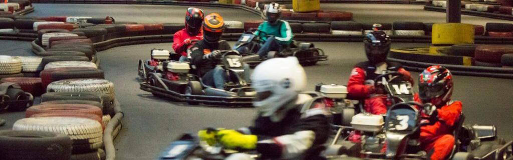 Indoor Kart<br/>Mit Vollgas zum Pokal